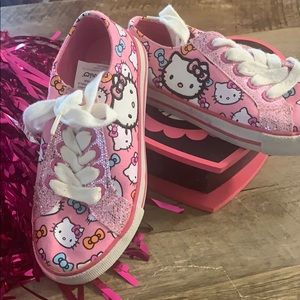 HELLO KITTY SHOES AND TRINKET BOX